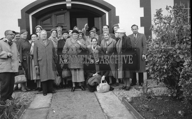 1953; A Group Of People Posing For The Camera In Front Of The Royal Hotel On Valentia Island.