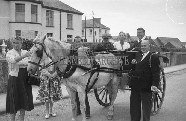 1953; A Photo Of A Group Of People With A Horse And Trap On Valentia Island.