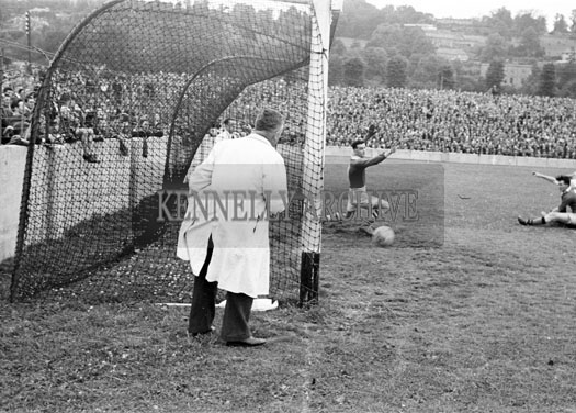 25th July 1954; An Action Shot At The Munster Senior Football Final Between Kerry And Cork At Austin Stack Park In Tralee. Kerry Won 4-9 To 2-3.