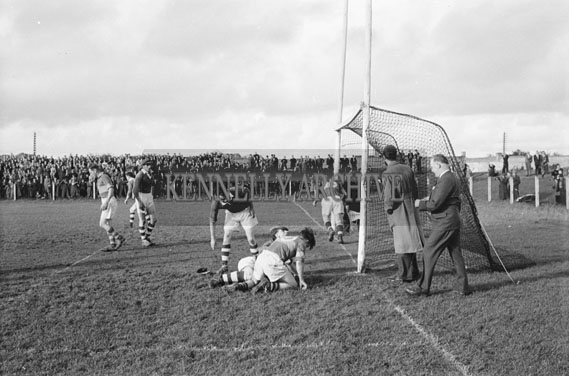 3rd October 1954; An action shot of Kerry Vs London in the All-Ireland Junior Final at Austin Stack Park, Tralee. Kerry Won 1-7 To 1-5.