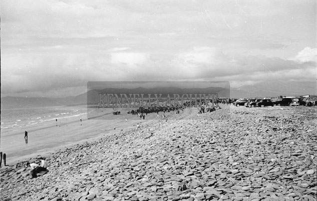 5th August 1957; A photo taken at Glenbeigh races on Rossbeigh Strand.