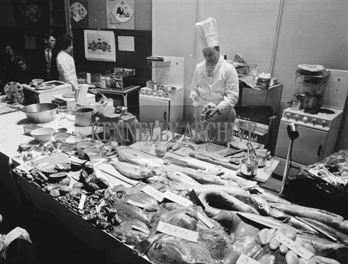 9th February 1962; Chef William Ryan (Executive Chef at Shannon Airport) demonstrating how to cook fish at the KPH in Tralee. The Chef was presented by the Fishing Industry Development Committee.
