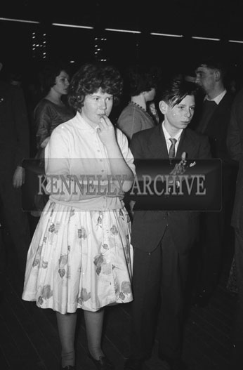 12th January 1962: People enjoying the night at a dance which took place at the Ashe Memorial Hall in Tralee. Music at the dance was provided by The Beltones.