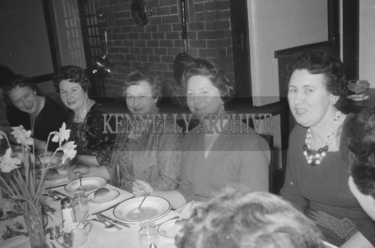 3rd February 1962; A group of ladies at the Irish Countrywomen's Association dinner in Benners Hotel in Tralee.