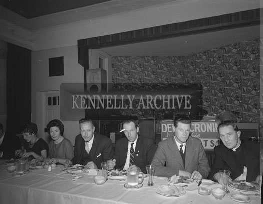 November 1962; Gerry Moyles (left) at a Macra Ne Feirme presentation dinner which took place at the Hotel Manhattan.