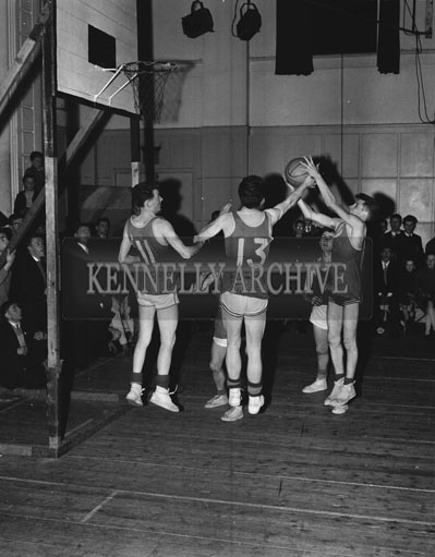 11th March 1962; An action photo taken at the Munster Blitz where the ESB Basketball Team were defeated by the FCA team 38-13 in the Munster Blitz Title Final at the CYMS in Tralee.