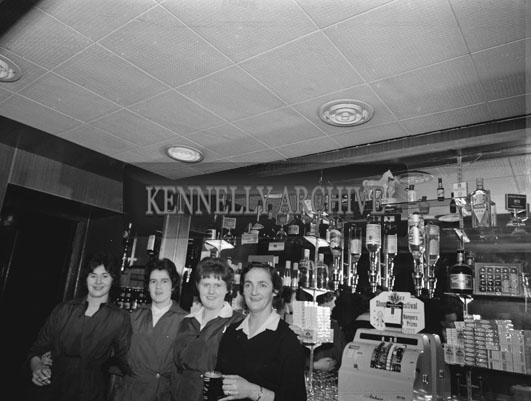 December 1962; A photo taken at the Tralee Irish Countrywomen's Association dinner which took place at the Meadowlands Hotel.
