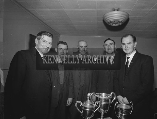 December 1962; A photo taken of some of the Prize Winners at the Tralee Mart celebrations which took place at the Meadowlands Hotel. Michael O'Leary, Manager Kingdom Mart Ltd., is on the right.