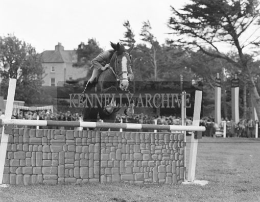 21st June 1962; A photo taken during the Showjumping events which took place at the Kingdom County Fair at Ballymullen Barracks.