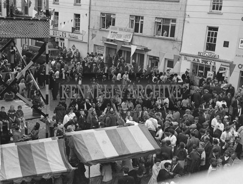 10th-12th August 1962; The crowds gathered in the street at Puck Fair.