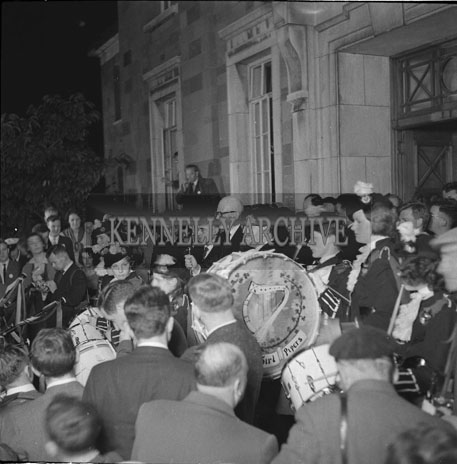 7th  September 1962: The crowd outside the Ashe memorial Hall in Denny Street for the opening ceremony of the Festival of Kerry.