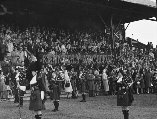 6th September 1962; The London Girls Pipe Band at the Tralee Races during the Festival Of Kerry.