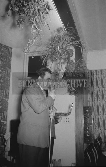 9th January 1964; A member of the Rhythm Aces Showband performing at the Kilmoyley Social in the Hotel Manhattan, Tralee. Music at the dance was provided by the Rhythm Aces.