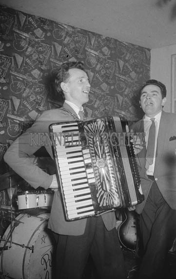 9th January 1964; Two members of the Rhythm Aces Showband performing at the Kilmoyley Social in the Hotel Manhattan, Tralee. Music at the dance was provided by the Rhythm Aces.