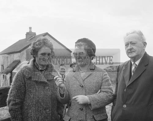 7th March 1964; Mr and Mrs O'Donoghue (right), parents of TD John O'Donoghue, at the South Kerry Rail Auction.