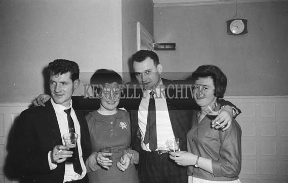 13th December 1964; People enjoying themselves at the John Mitchels GAA Club Social in the Hotel Manhattan, Tralee.