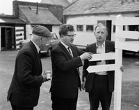 26th May/28th 1964; Arthur O'Leary (centre),  at the Kingdom County Fair in Tralee.