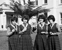 Students at Coláiste Öde Dingle